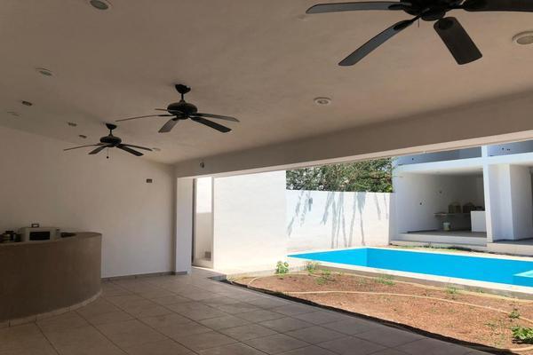 Foto de casa en venta en  , montebello, mérida, yucatán, 14028920 No. 04