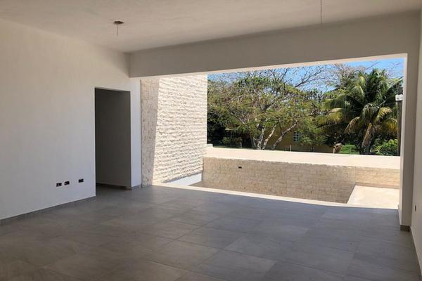 Foto de casa en venta en  , montebello, mérida, yucatán, 14028920 No. 10