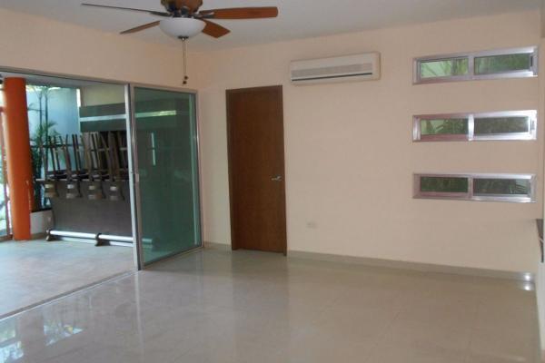 Foto de casa en venta en  , montebello, mérida, yucatán, 3048319 No. 05