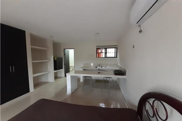 Foto de departamento en renta en  , montebello, mérida, yucatán, 8118847 No. 02
