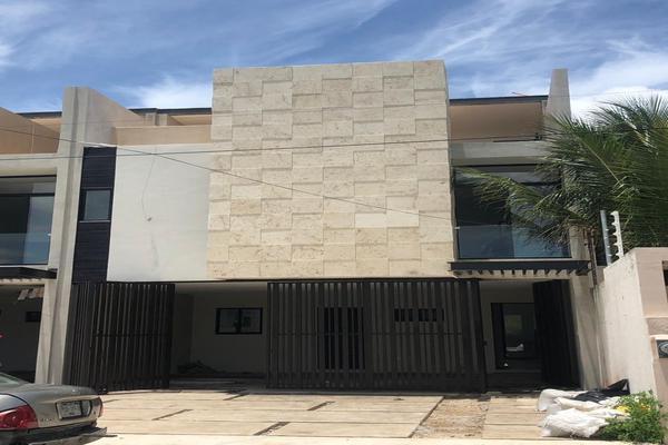 Foto de casa en venta en  , montebello, mérida, yucatán, 8323567 No. 01