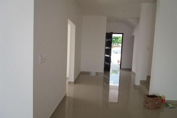 Foto de casa en venta en  , monterrey centro, monterrey, nuevo león, 7957493 No. 02