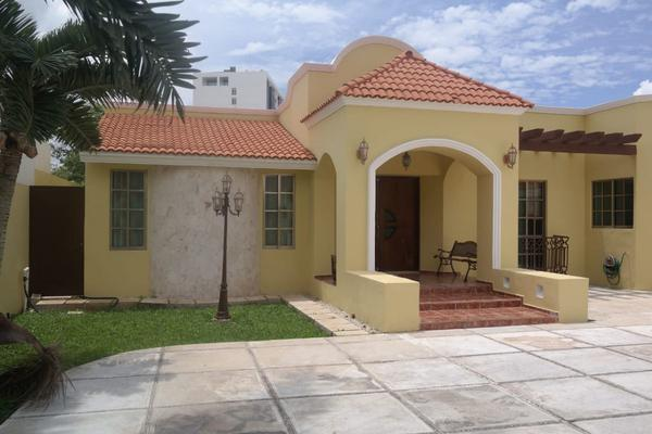 Foto de casa en venta en  , montes de ame, mérida, yucatán, 14028029 No. 01