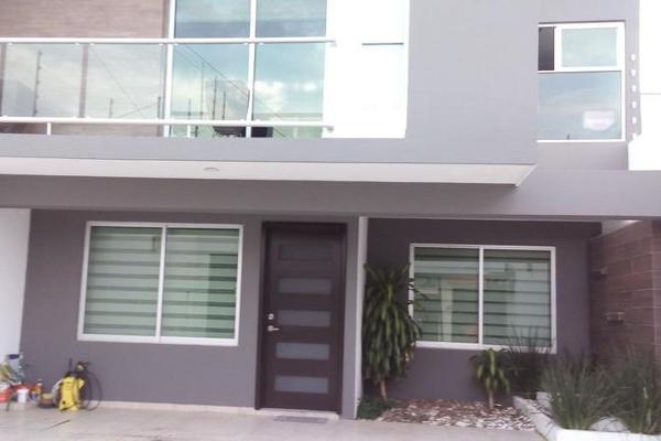 Foto de casa en venta en  , movimiento magisterial, uruapan, michoacán de ocampo, 8032255 No. 01