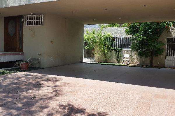 Foto de casa en venta en  , nazario s. ortiz garza, saltillo, coahuila de zaragoza, 2624260 No. 02