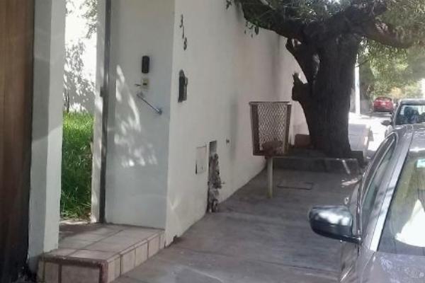 Foto de casa en venta en nogal 318 , jardín, saltillo, coahuila de zaragoza, 12812730 No. 02