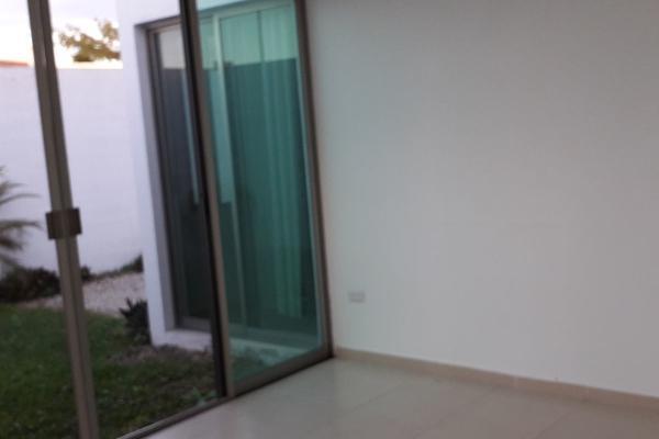 Foto de casa en venta en np , gran santa fe, mérida, yucatán, 14027698 No. 02