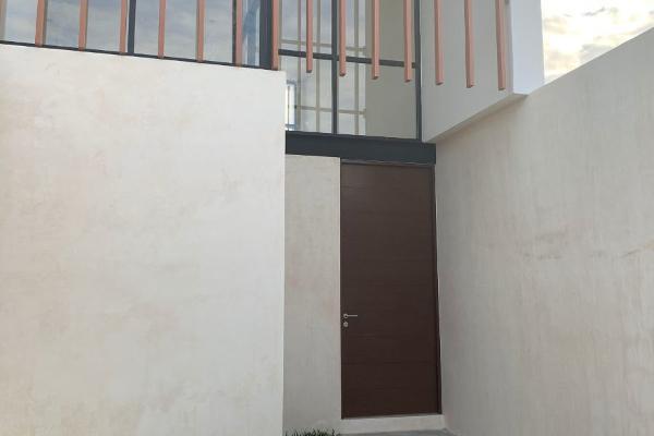 Foto de casa en venta en  , núcleo sodzil, mérida, yucatán, 14029979 No. 01
