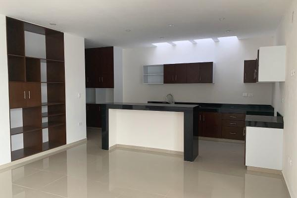 Foto de casa en venta en  , núcleo sodzil, mérida, yucatán, 14029979 No. 02