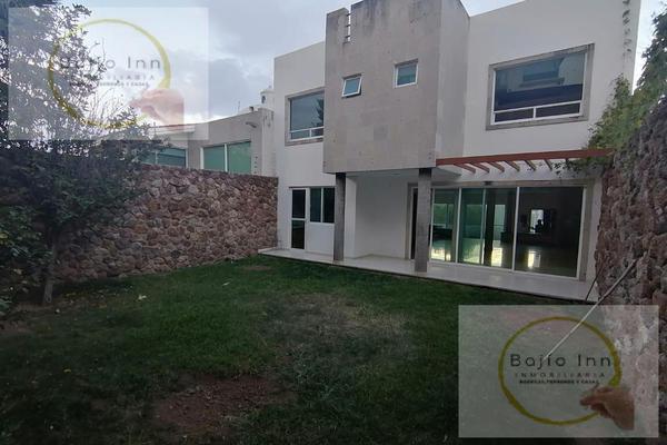 Foto de casa en venta en  , nuevo león, león, guanajuato, 20351758 No. 02