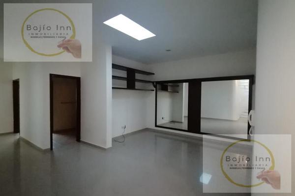 Foto de casa en venta en  , nuevo león, león, guanajuato, 20351758 No. 09