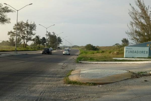 Foto de terreno habitacional en venta en octava (fundadores) , miramar, ciudad madero, tamaulipas, 3462858 No. 02