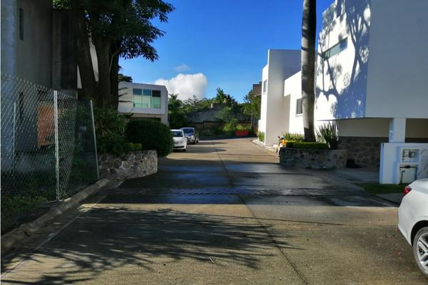 Foto de terreno habitacional en venta en  , palmira tinguindin, cuernavaca, morelos, 20188279 No. 02