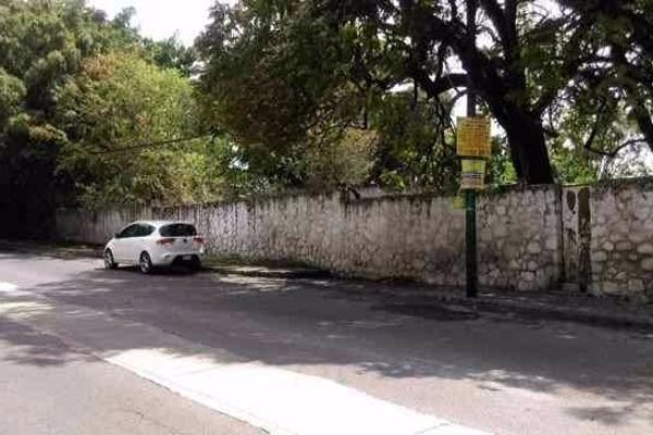 Foto de terreno habitacional en venta en  , palmira tinguindin, cuernavaca, morelos, 2642948 No. 01