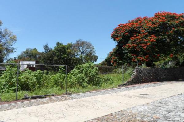 Foto de terreno habitacional en venta en  , palmira tinguindin, cuernavaca, morelos, 2642948 No. 02