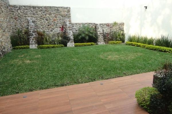 Foto de casa en venta en  , palmira tinguindin, cuernavaca, morelos, 4465342 No. 02
