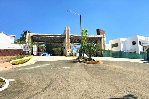Foto de terreno habitacional en venta en paseo de la contemplación , villas de irapuato, irapuato, guanajuato, 12764878 No. 02