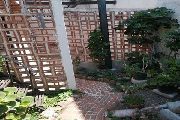 Foto de casa en venta en  , paseo de la presa, guanajuato, guanajuato, 21367029 No. 03
