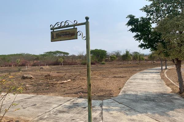 Foto de terreno habitacional en venta en paseo de las bugambilias s/n lote 1 , comala, comala, colima, 21428186 No. 02
