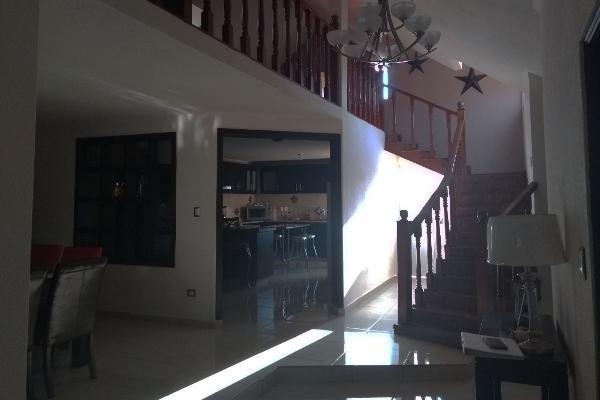 Foto de casa en venta en paseo de los lobos , lomas de lourdes, saltillo, coahuila de zaragoza, 5975599 No. 02