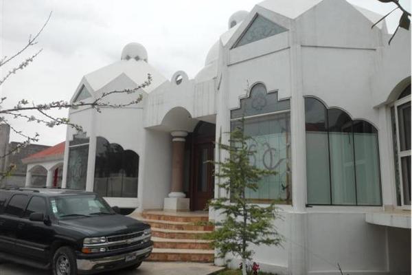 Foto de casa en venta en paseo de los mirlos 3900, lomas de lourdes, saltillo, coahuila de zaragoza, 2711528 No. 02