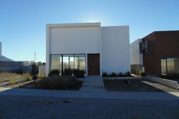 Foto de casa en venta en paseo del portal , hacienda del refugio, saltillo, coahuila de zaragoza, 4012996 No. 01