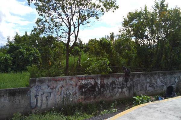 Foto de terreno habitacional en venta en  , paseo del valle real, tepic, nayarit, 14024430 No. 02