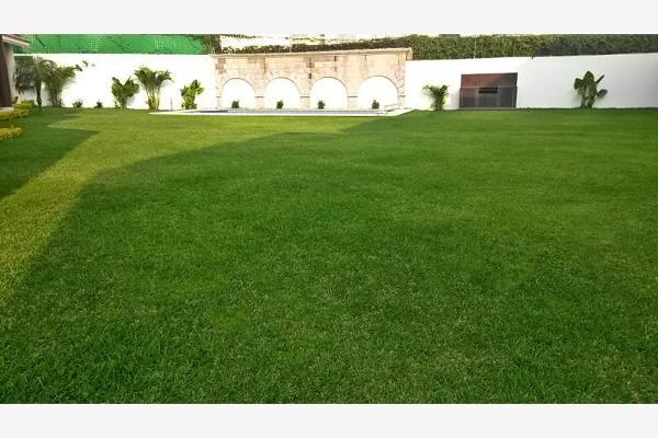Foto de casa en venta en  , pedregal de las fuentes, jiutepec, morelos, 2690643 No. 02