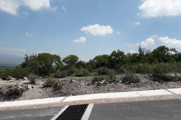 Foto de terreno habitacional en venta en  , desarrollo habitacional zibata, el marqués, querétaro, 8863278 No. 02