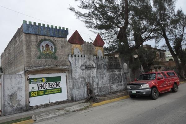 Foto de terreno habitacional en venta en  , petrolera, coatzacoalcos, veracruz de ignacio de la llave, 2641539 No. 02