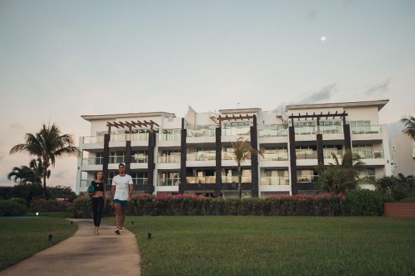 Foto de departamento en venta en  , playa del carmen centro, solidaridad, quintana roo, 5677848 No. 01