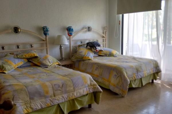 Foto de casa en venta en  , playa diamante, acapulco de juárez, guerrero, 2640481 No. 02