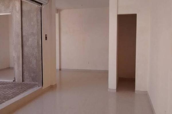 Foto de local en venta en portal de samaniego , jardines de villas de santiago, querétaro, querétaro, 13384787 No. 03