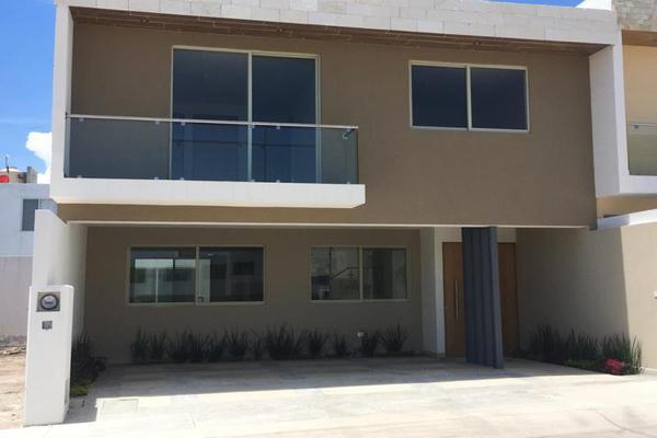 Foto de casa en venta en  , prados san vicente 2a secc, san luis potosí, san luis potosí, 9190142 No. 01