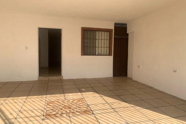 Foto de casa en venta en  , privadas de santa catarina, santa catarina, nuevo león, 19738455 No. 02
