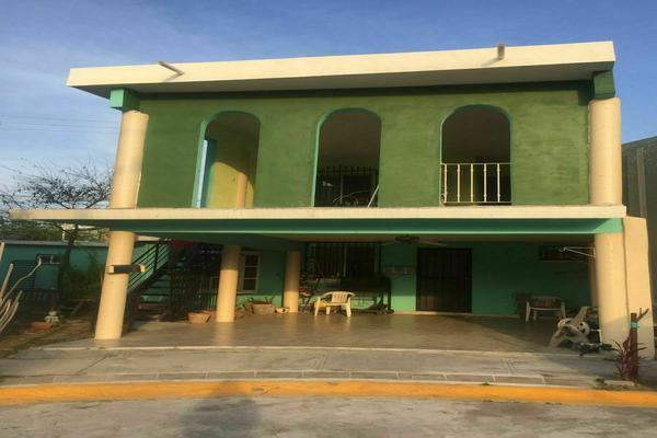 Foto de casa en venta en  , privadas de santa rosa, apodaca, nuevo león, 0 No. 02