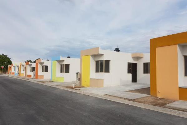 Foto de casa en venta en  , privadas luxemburgo, saltillo, coahuila de zaragoza, 8693015 No. 01