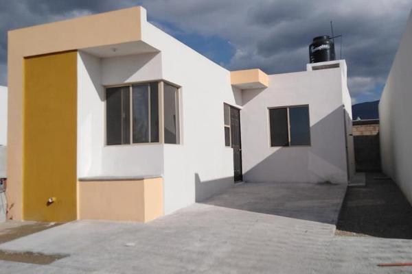 Foto de casa en venta en  , privadas luxemburgo, saltillo, coahuila de zaragoza, 8693015 No. 02