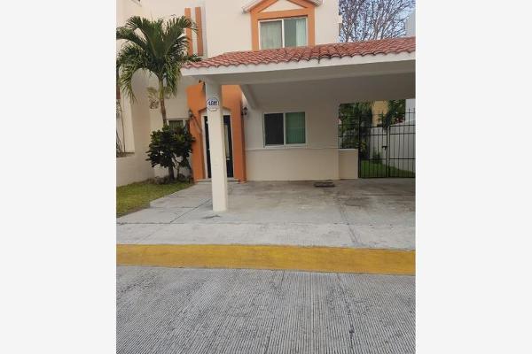 Foto de casa en renta en  , privanzas, carmen, campeche, 5695561 No. 01