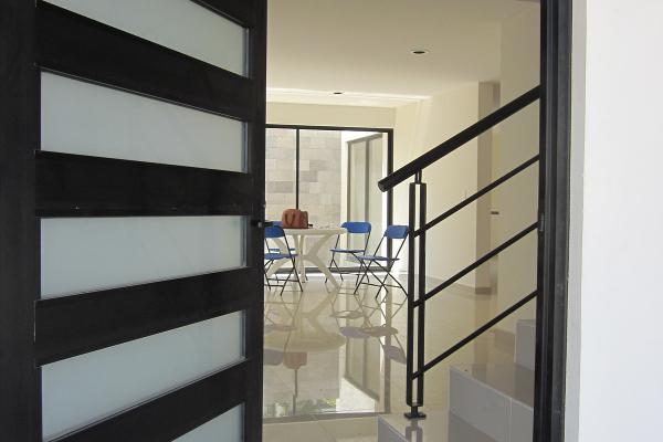 Foto de casa en venta en  , pueblo nuevo, corregidora, quer?taro, 3220873 No. 02