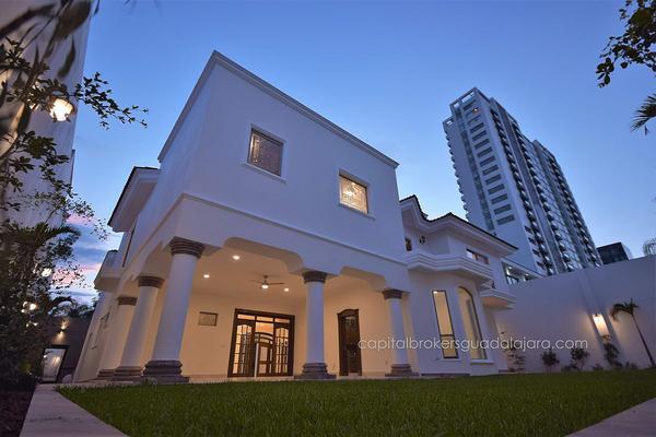 Foto de casa en venta en  , puerta de hierro, zapopan, jalisco, 5823703 No. 01