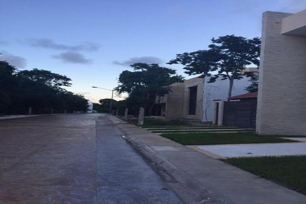 Foto de terreno habitacional en venta en  , puerto morelos, benito juárez, quintana roo, 7960856 No. 02