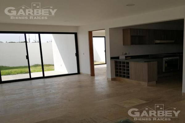 Foto de casa en venta en  , querétaro, querétaro, querétaro, 7292948 No. 02