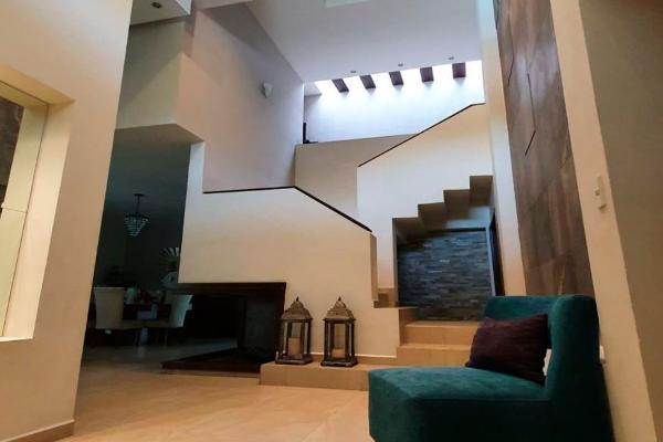 Foto de casa en venta en quinta nogalar , quinta real, saltillo, coahuila de zaragoza, 0 No. 02