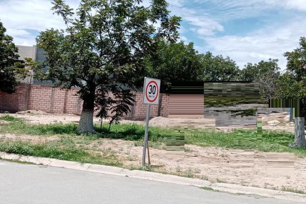 Foto de terreno habitacional en venta en  , real del nogalar, torreón, coahuila de zaragoza, 15606016 No. 02