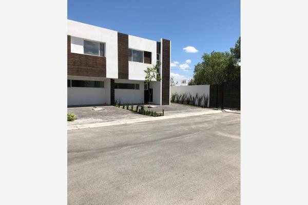 Foto de casa en venta en  , real villas de la aurora, saltillo, coahuila de zaragoza, 8738291 No. 02