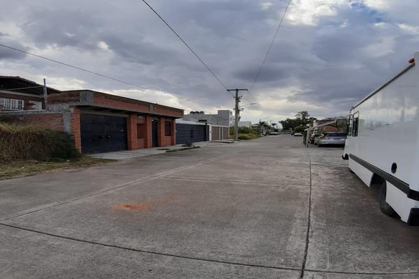 Foto de terreno habitacional en venta en rectores universitarios , agustín arriaga rivera, morelia, michoacán de ocampo, 19167174 No. 02