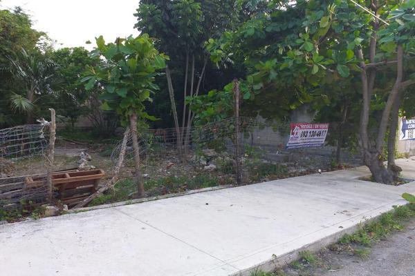 Foto de terreno habitacional en venta en  , región 510, benito juárez, quintana roo, 18801182 No. 01