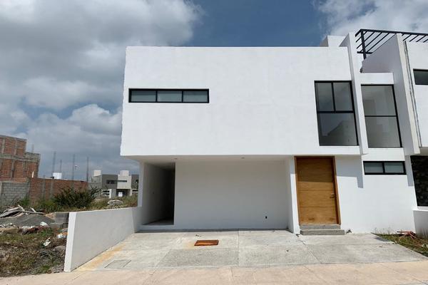 Foto de casa en venta en  , residencial el refugio, querétaro, querétaro, 14034422 No. 01