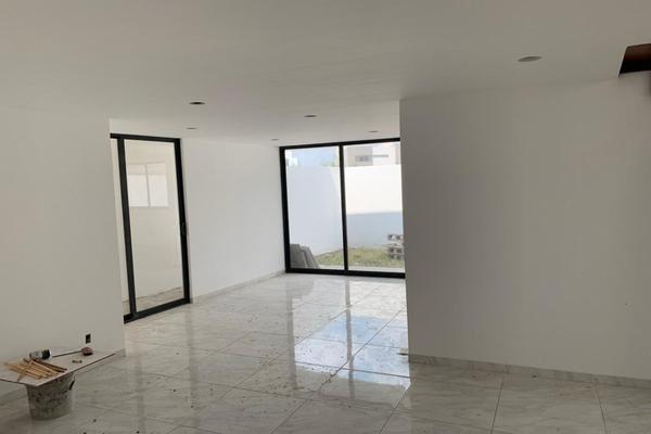 Foto de casa en venta en  , residencial el refugio, querétaro, querétaro, 14034422 No. 02